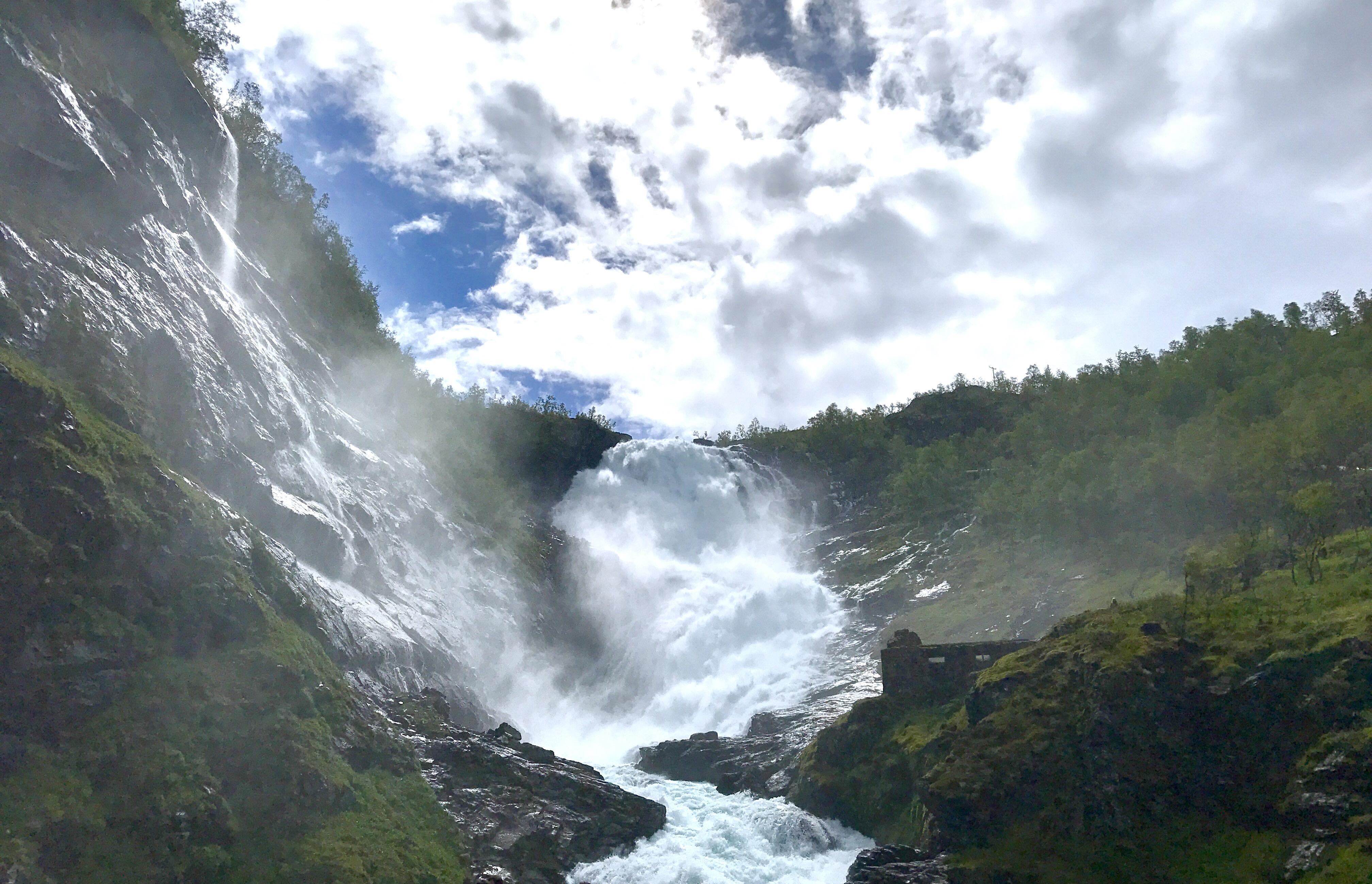 waterfall_norway_in_a_nutshell_lustforthesublime