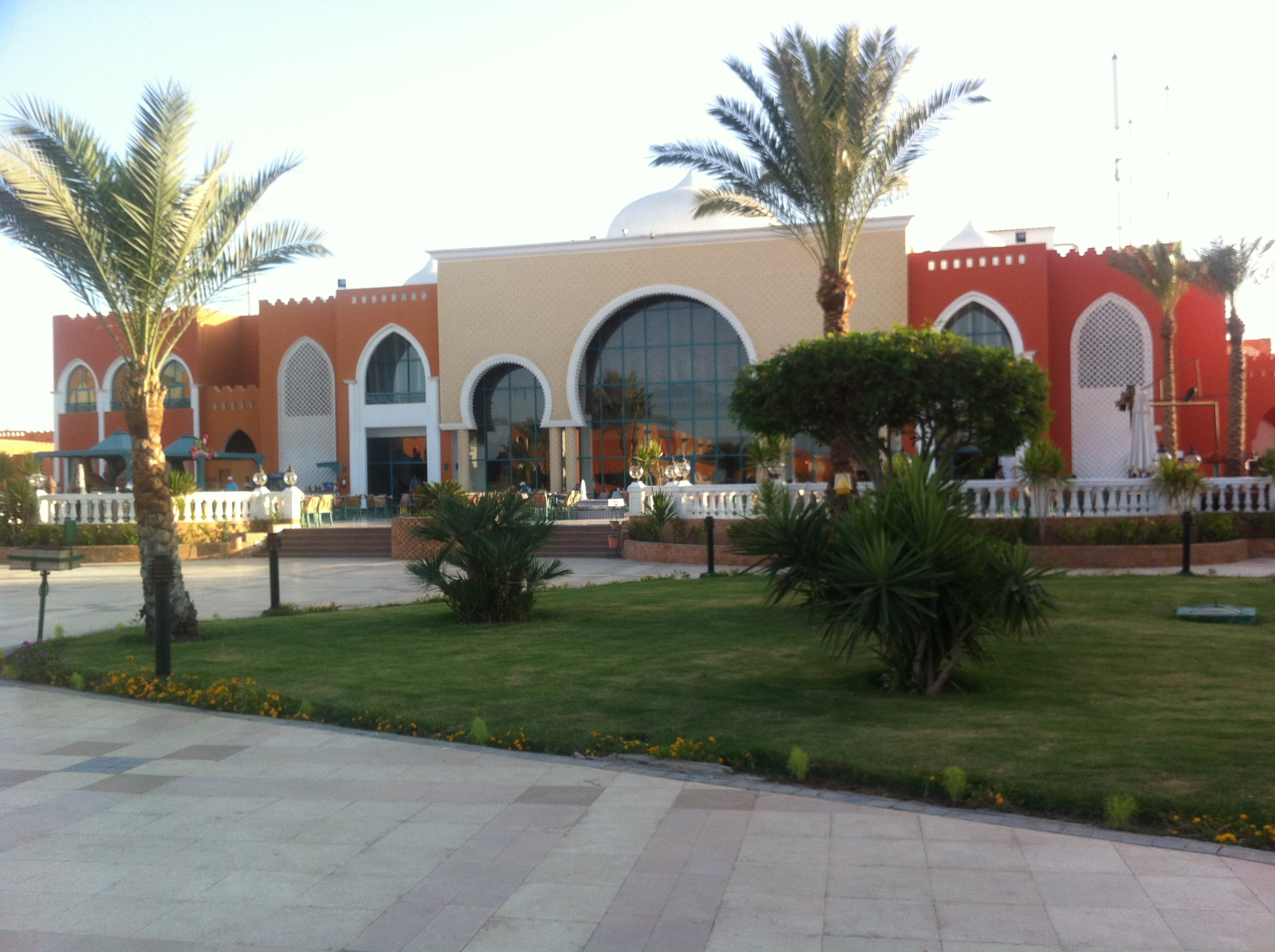Sunrise-Garden-Beach-Resort