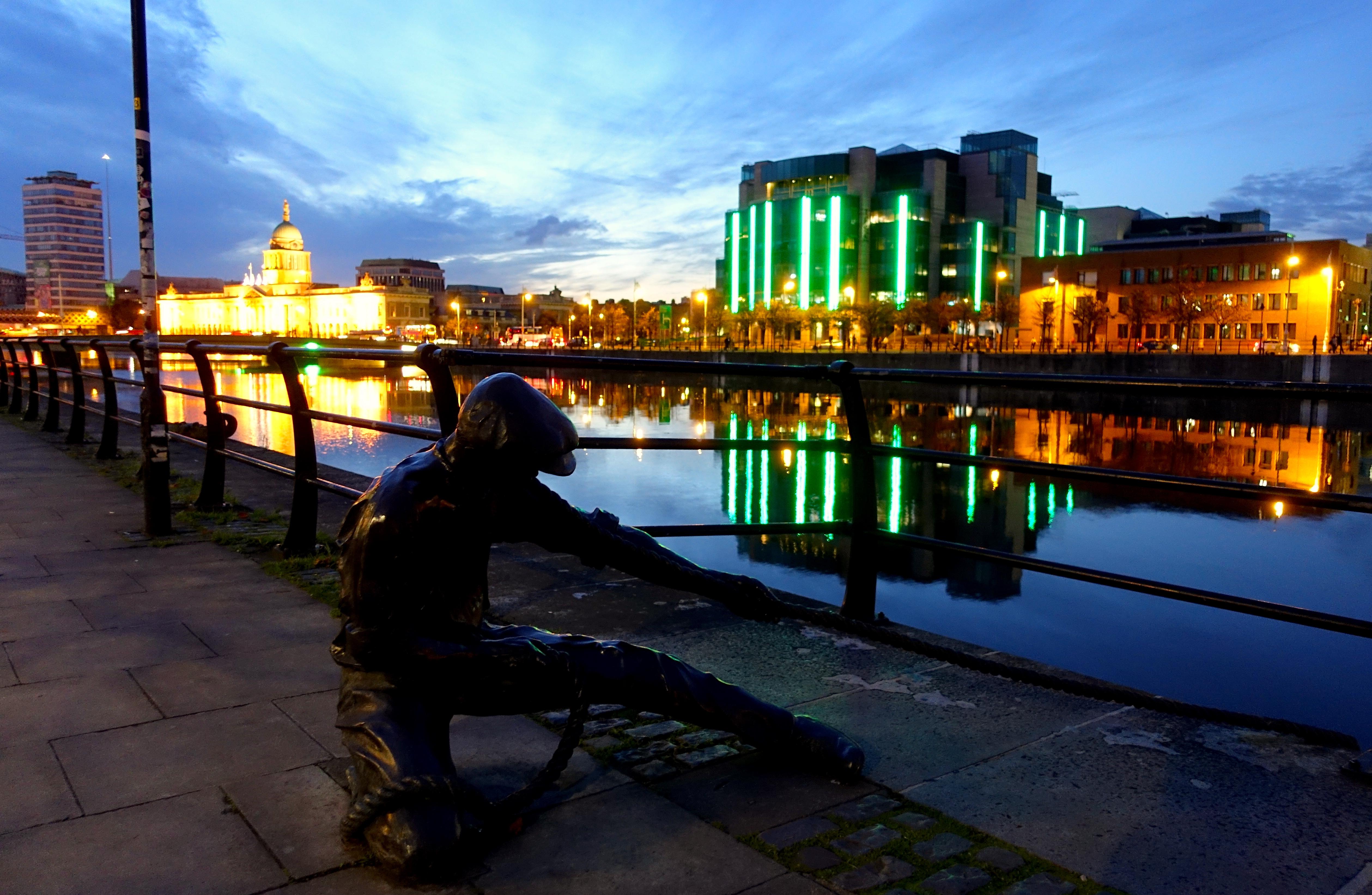 dublin-river-liffey-ireland-lustforthesublime