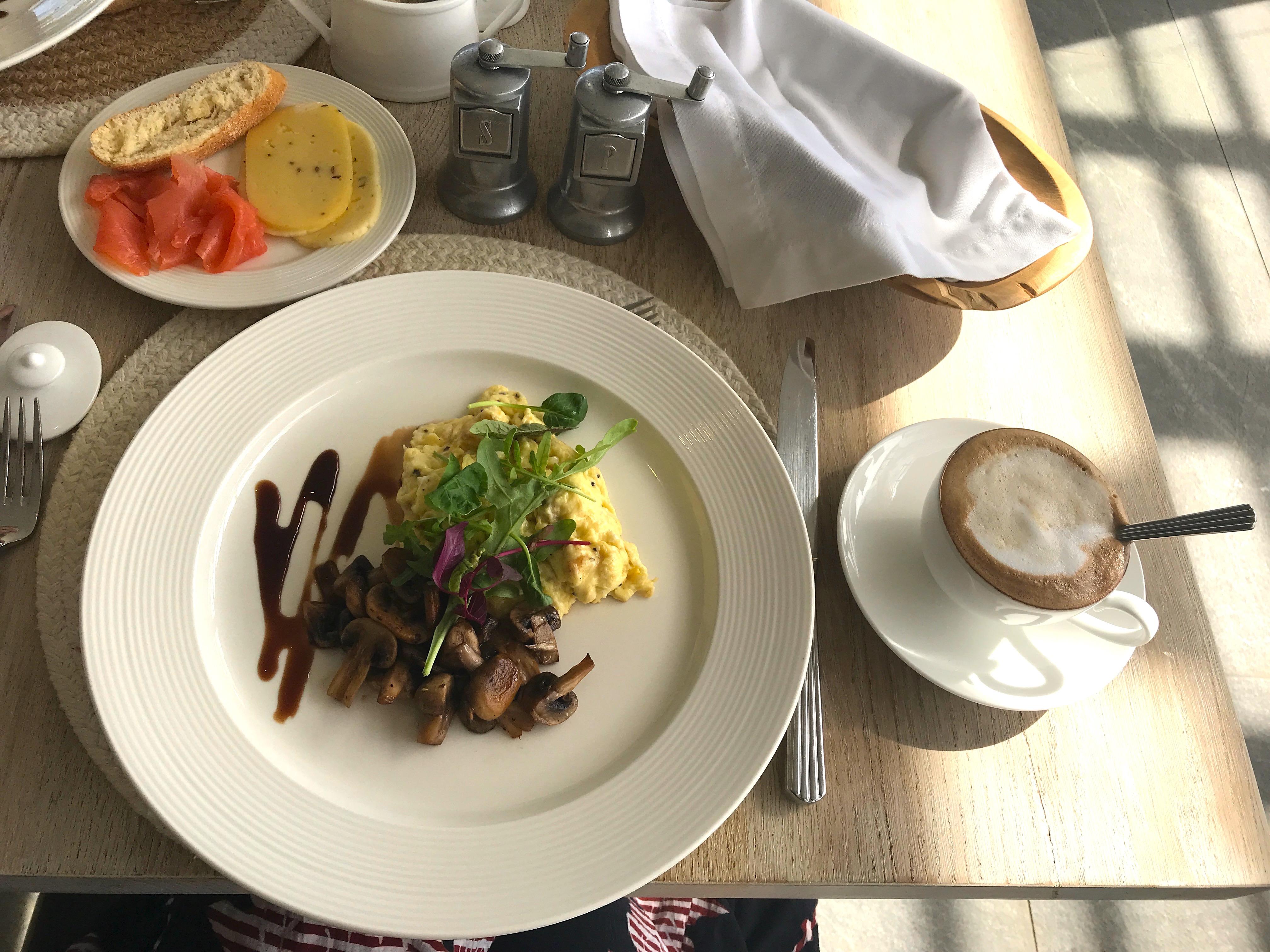 breakfast-angala-southafrica-lustforthesublime
