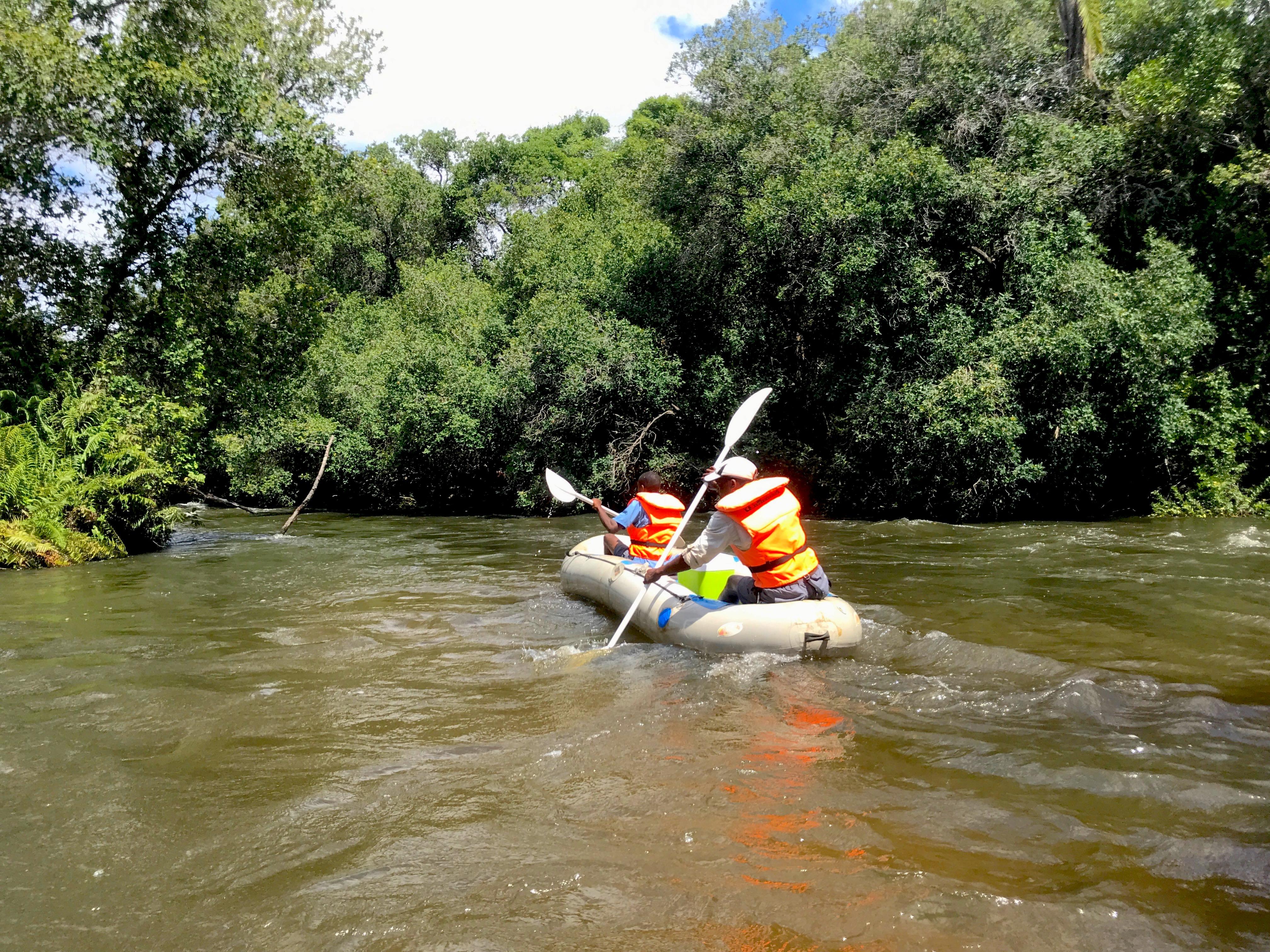 canoeing-royalchundu-zambezi-lustforthesublime