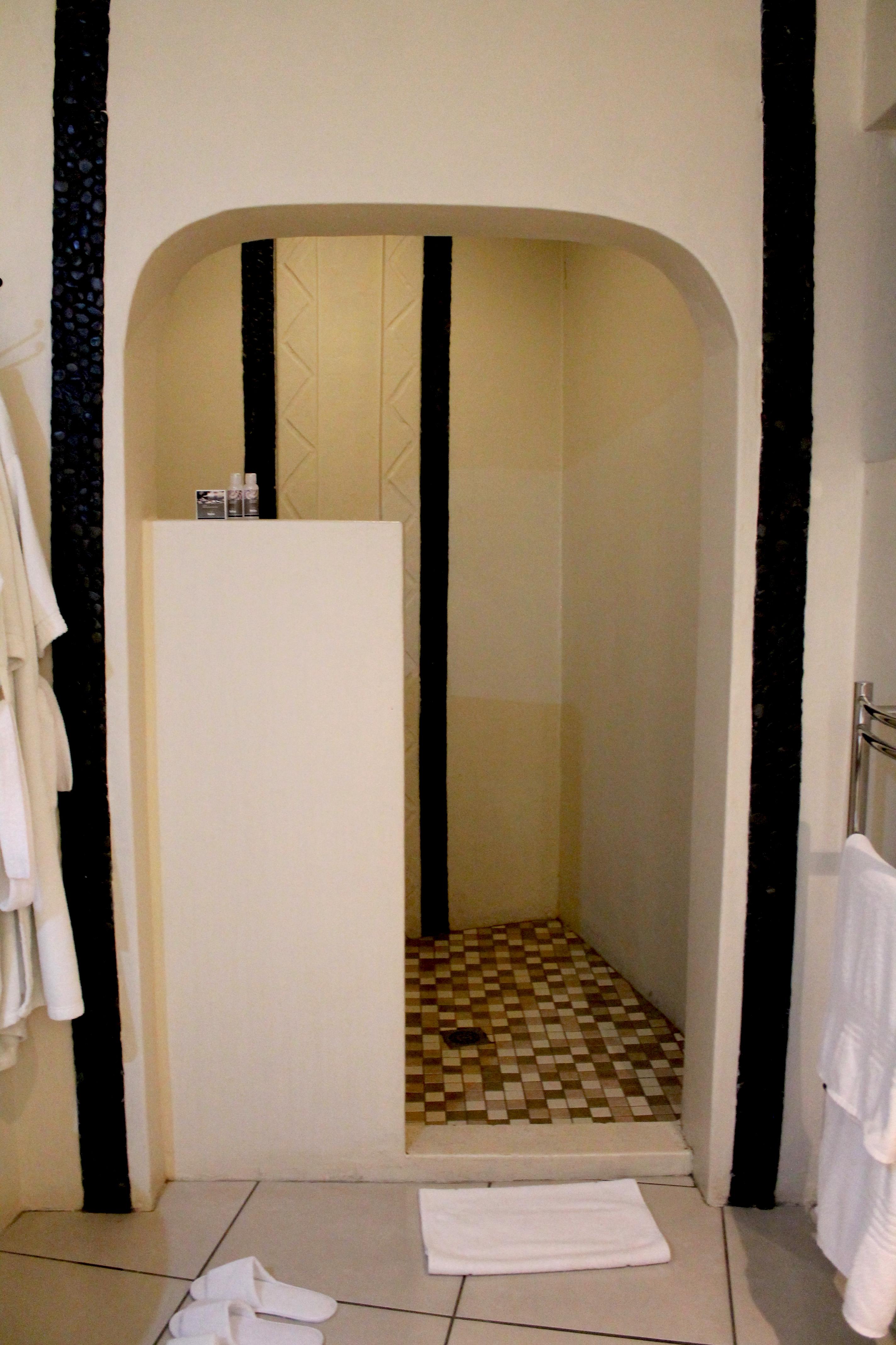 bathroom-maliba-lodge-lesotho-lustforthesublime