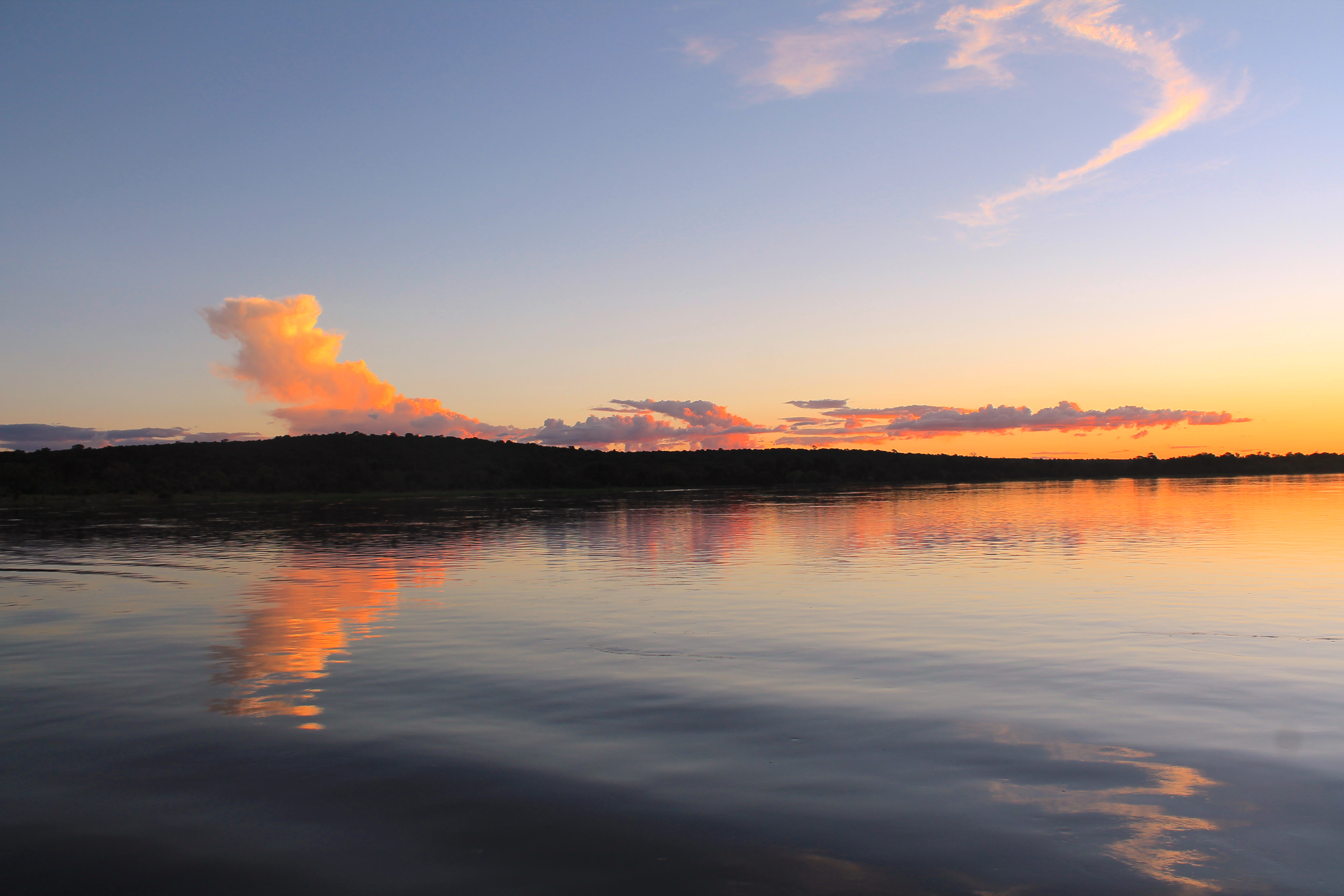 sunset-zambezi-river-royalchundu-lustforthesublime