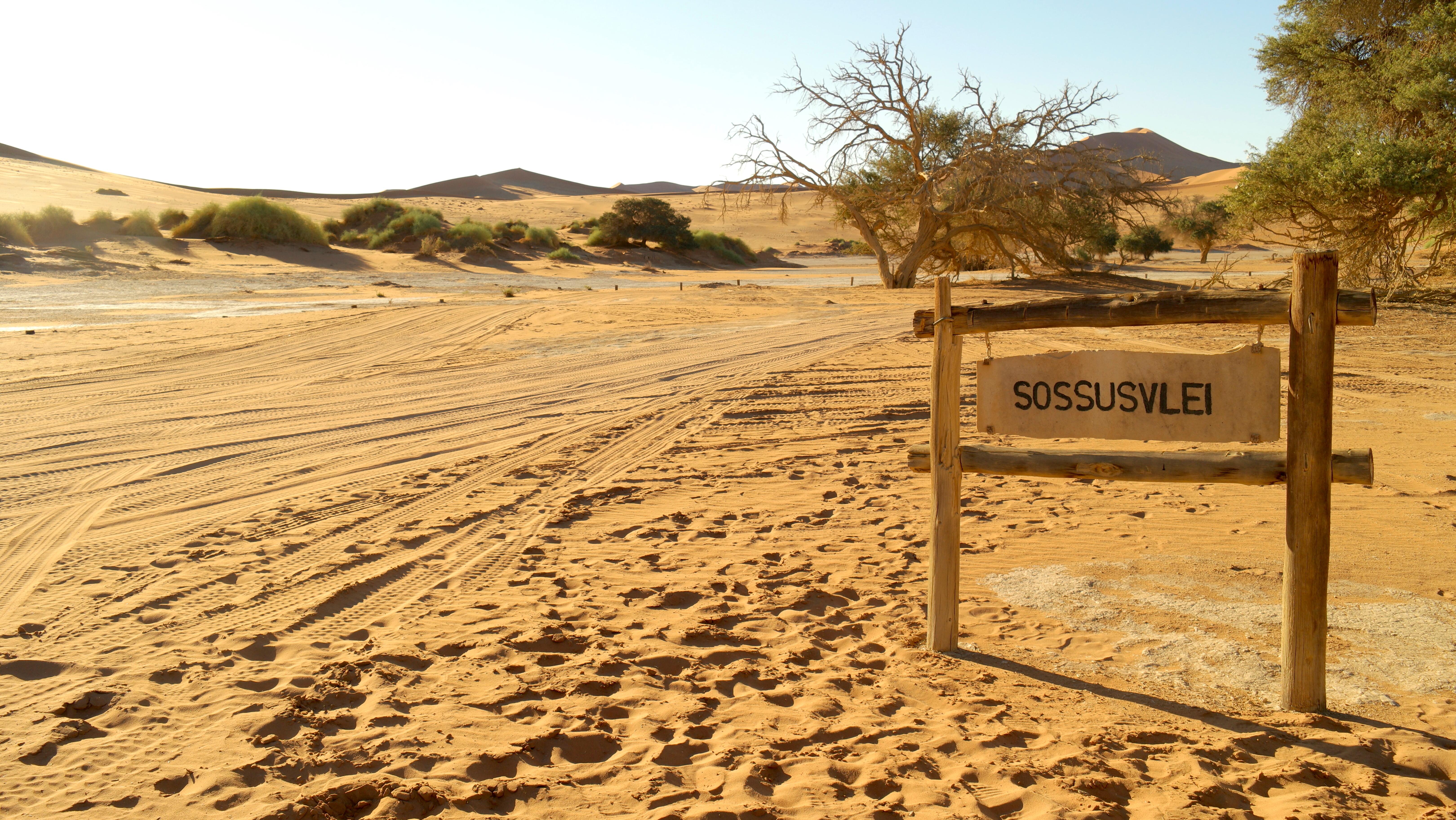 sossusvlei-namibia-africa-lustforthesublime
