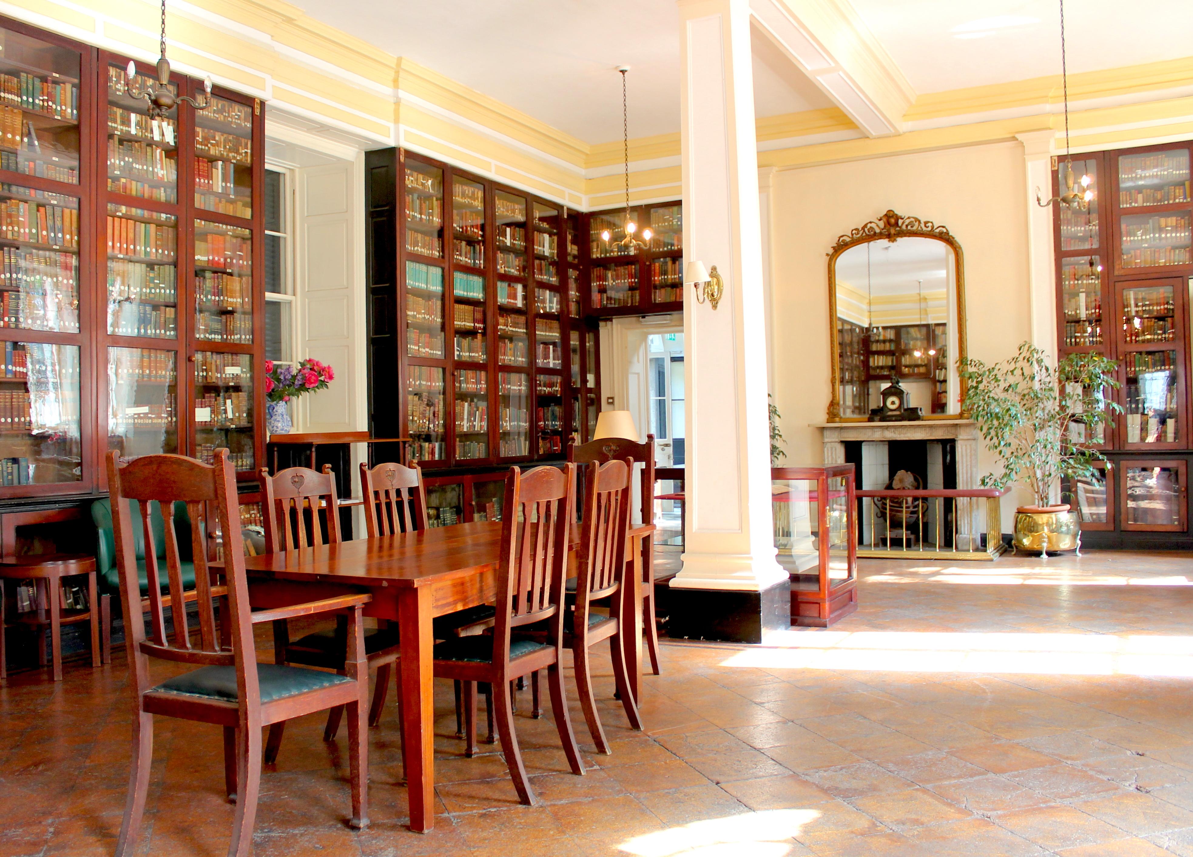 garrison-library-gibraltar-lustforthesublime