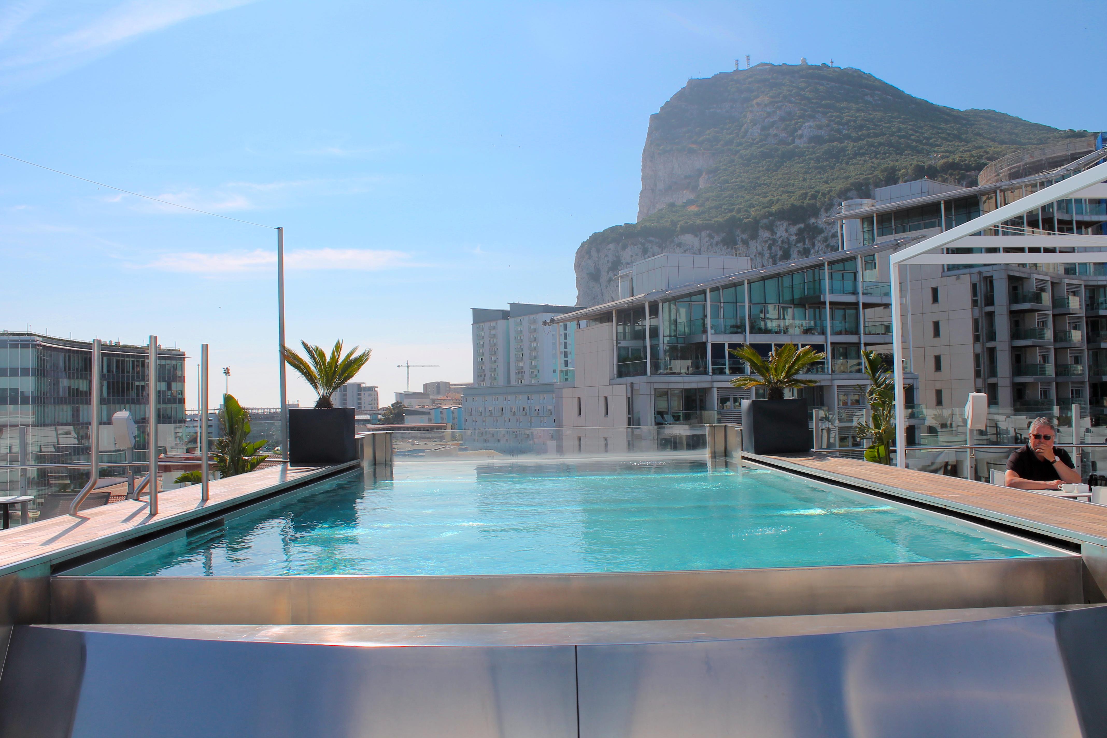 sunborn-hotel-pool-yacht-gibraltar-lustforthesublime