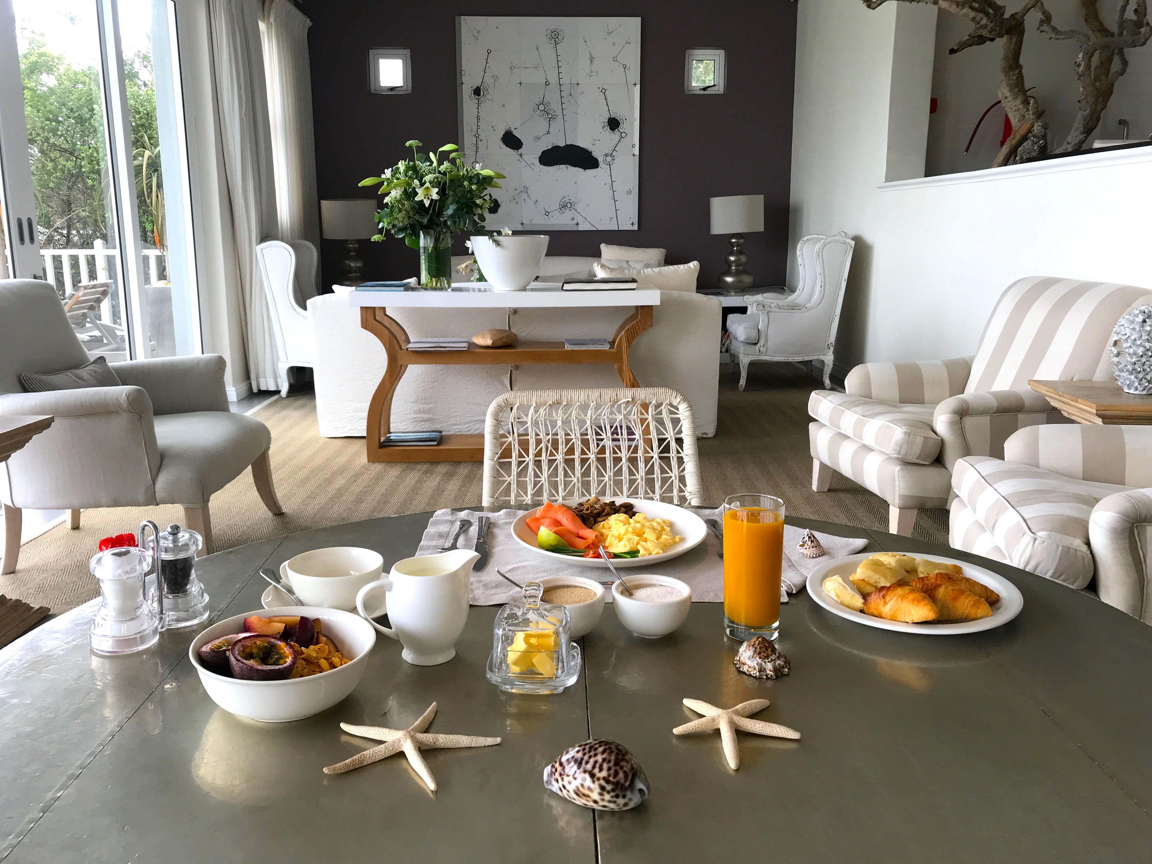 breakfast-seafivehotel-campsbay-capetown-lustforthesublime