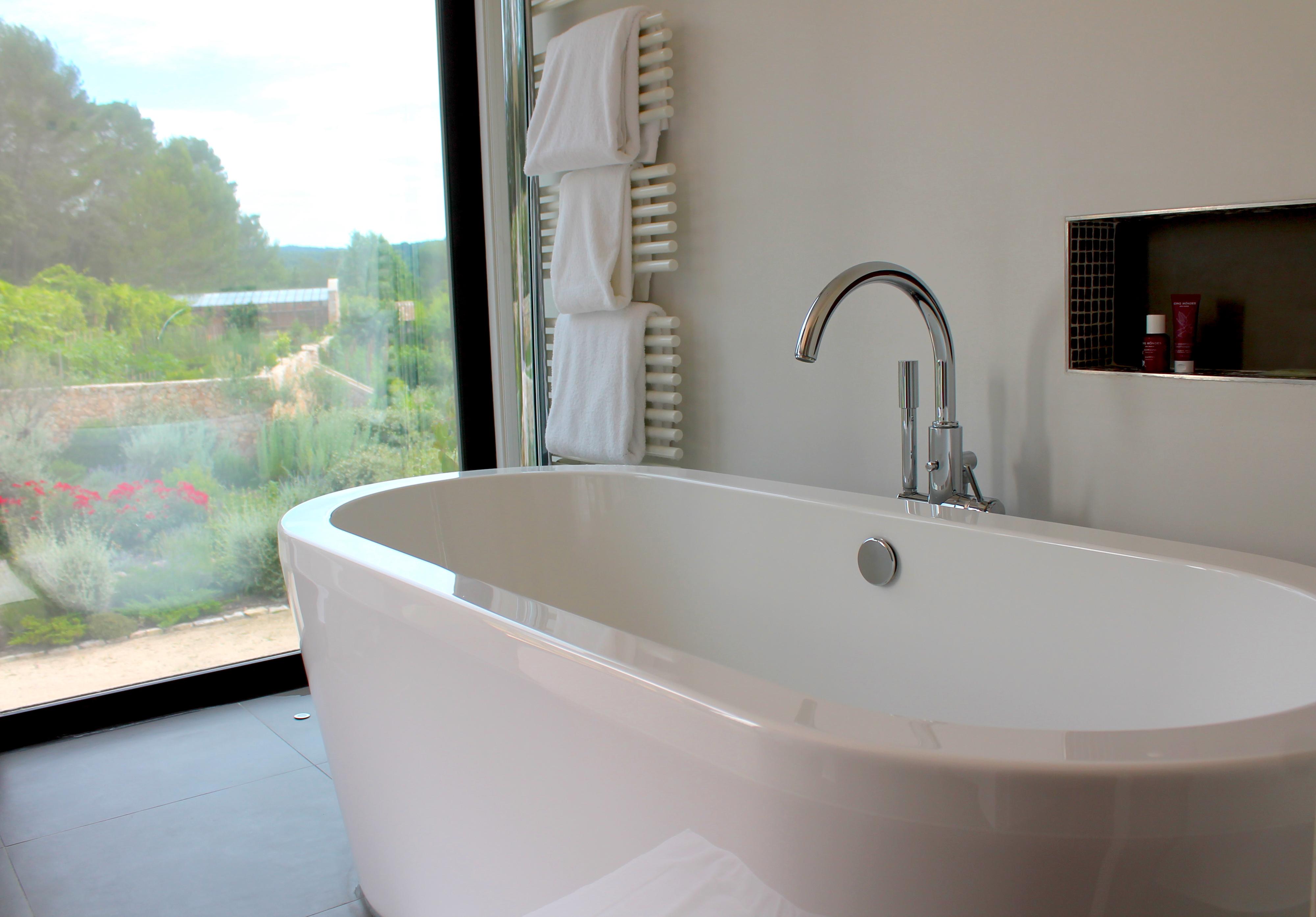 chateau-de-berne-bath-lustforthesublime