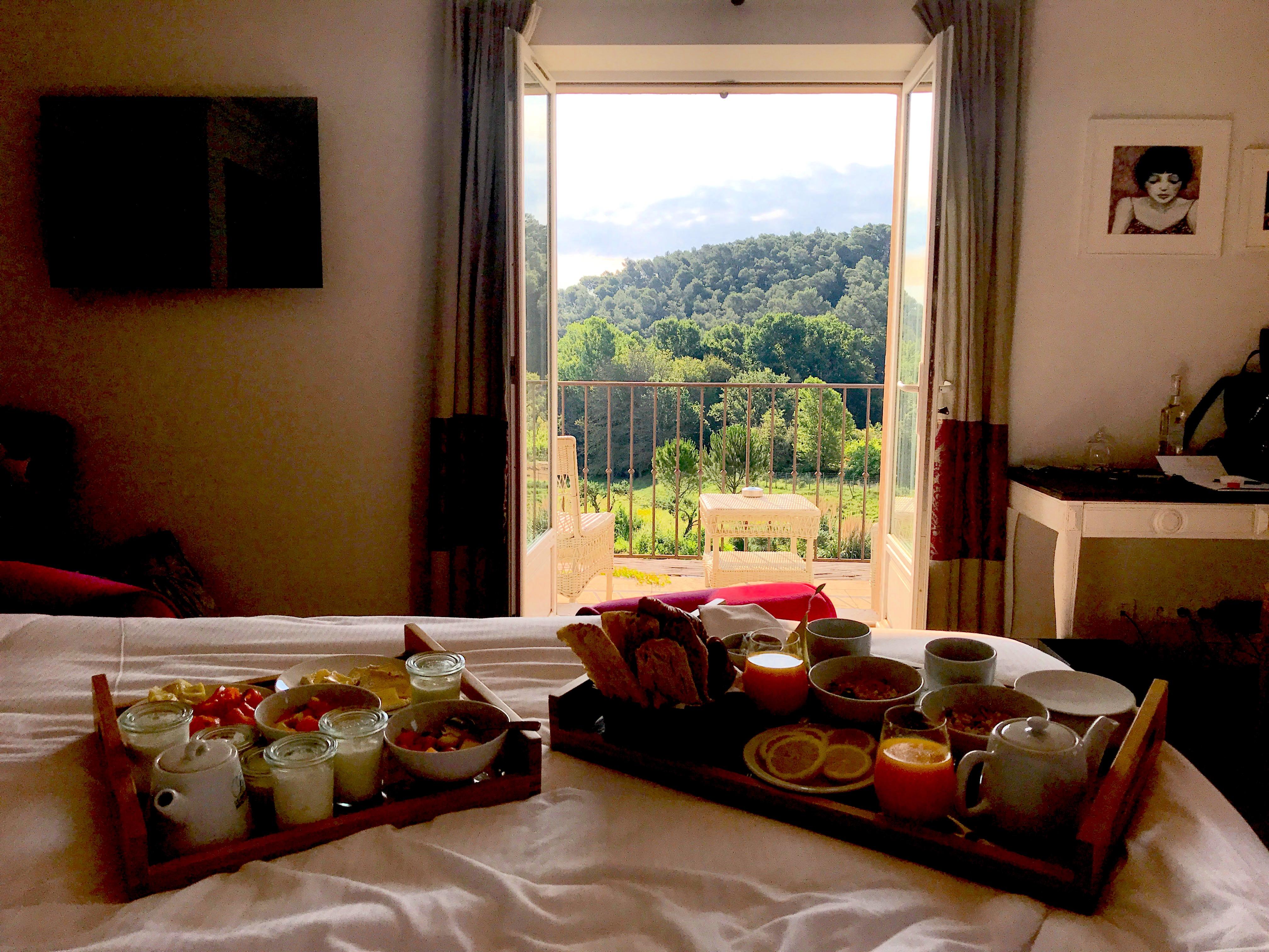 breakfast-view-chateaydeberne-lustforthesublime