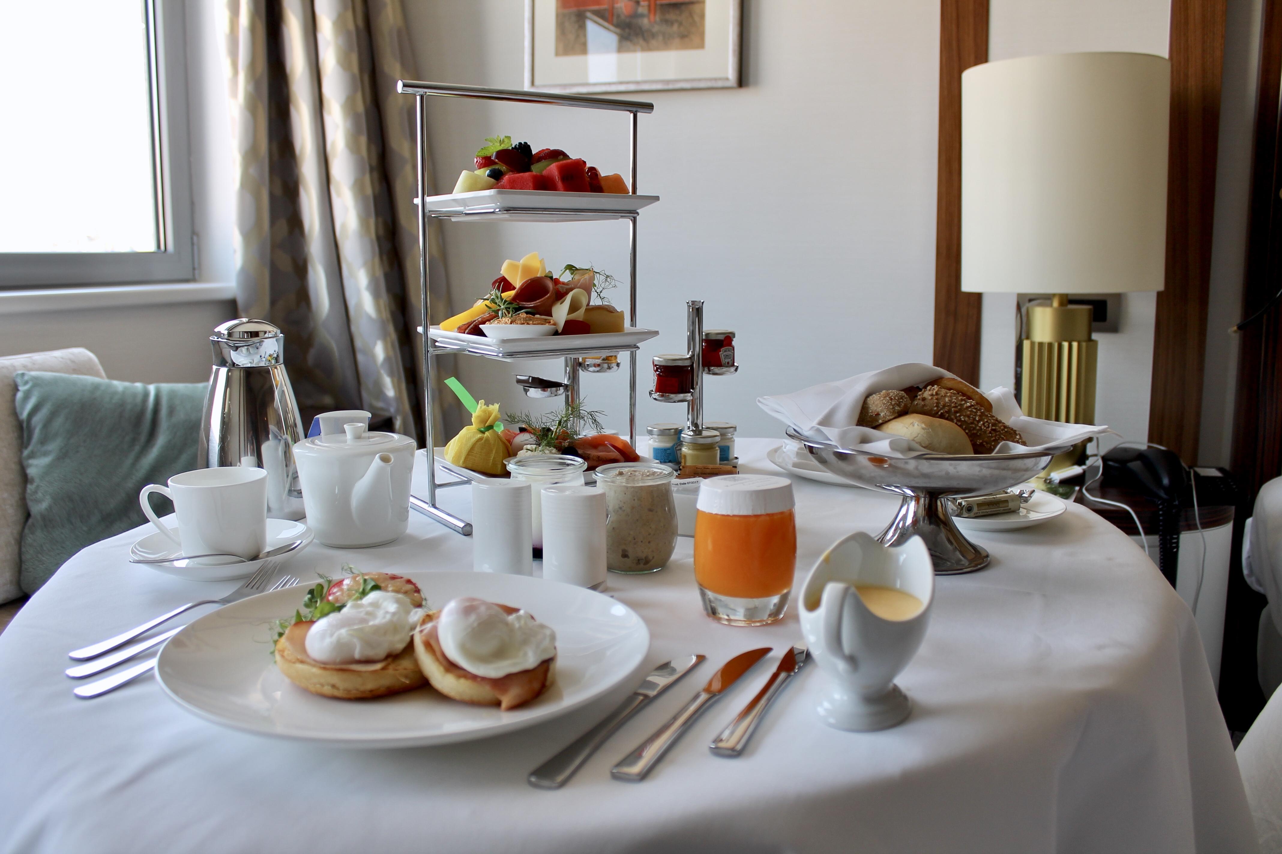 in-room-breakfast-kempinki-hotel-corvinus-budapest-lustforthesublime