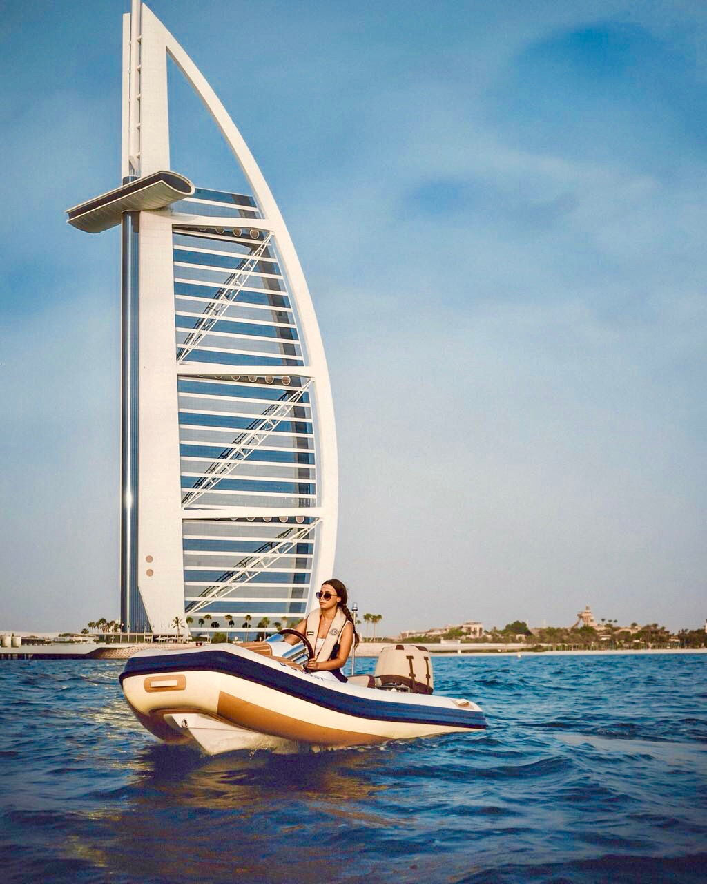 hero_dubai_selfdriveboat_lustforthesublime