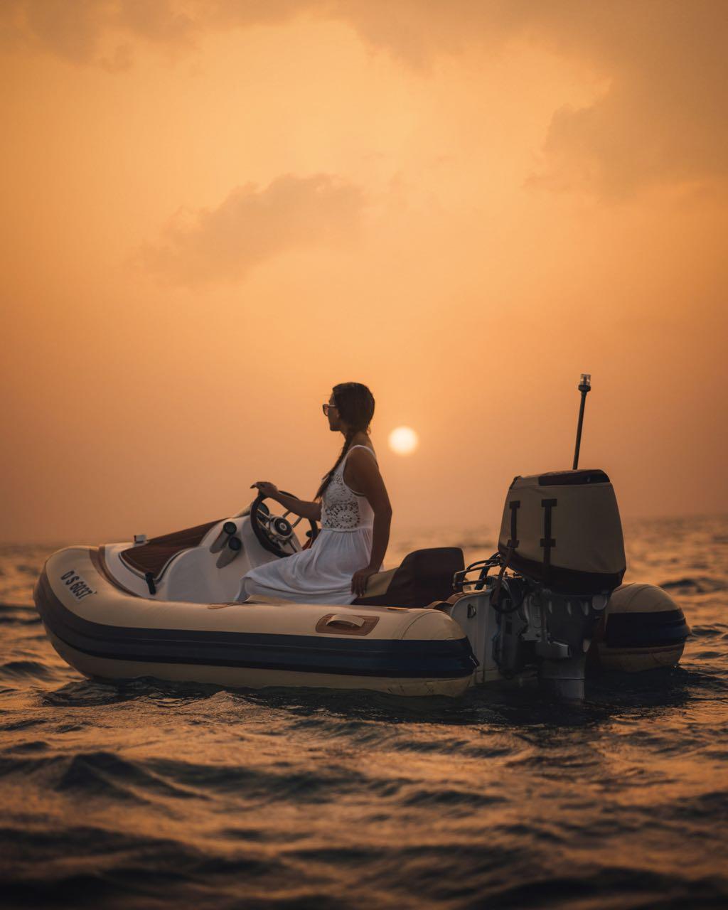sel-drive-boat-hero-dubai-lustforthesublime