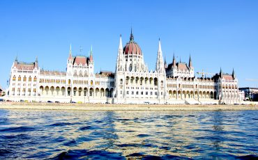 hungarian-parliament-budapest-lustforthesublime