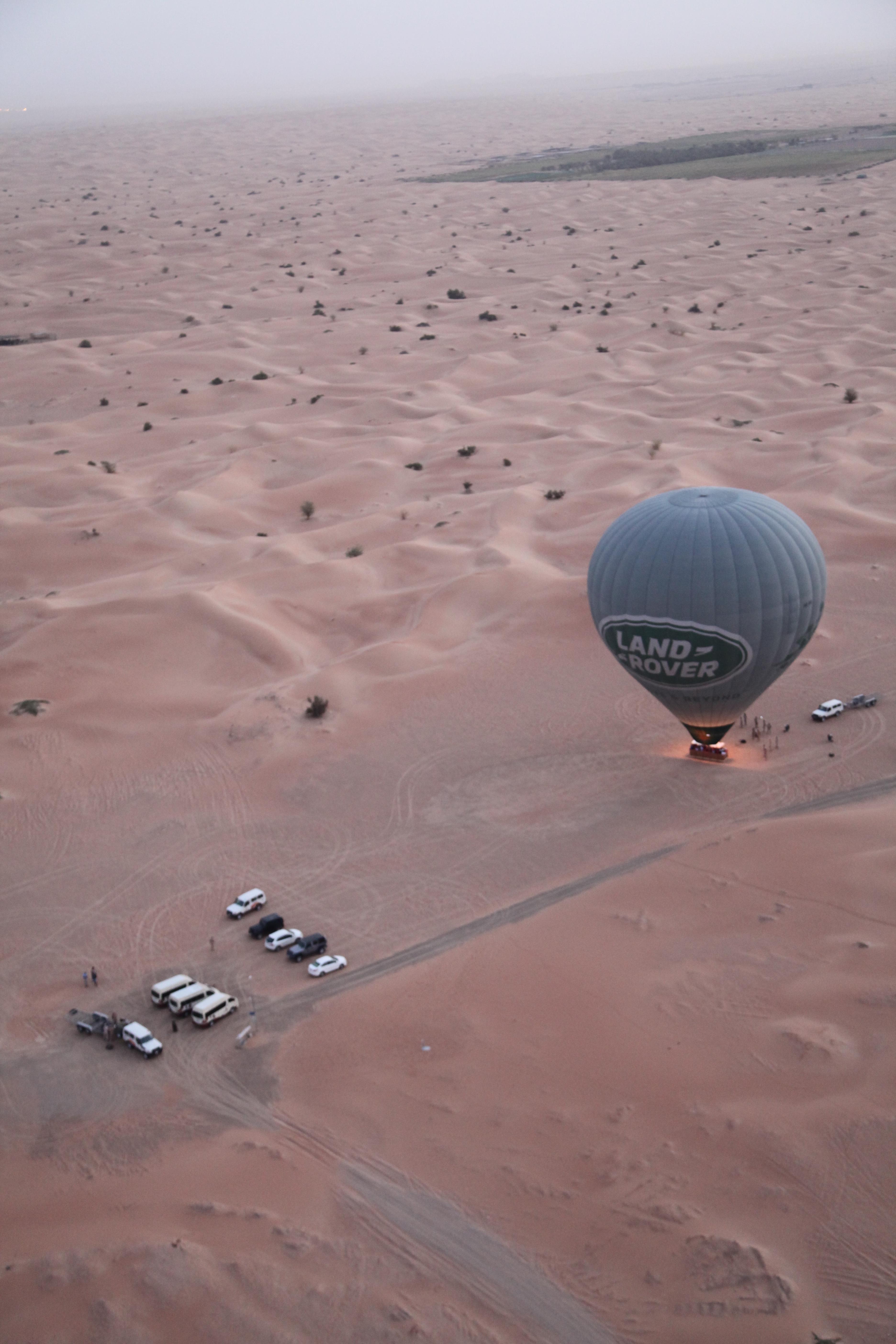 sunrise-desert-hot-air-balloon-dubai-lustforthesublime