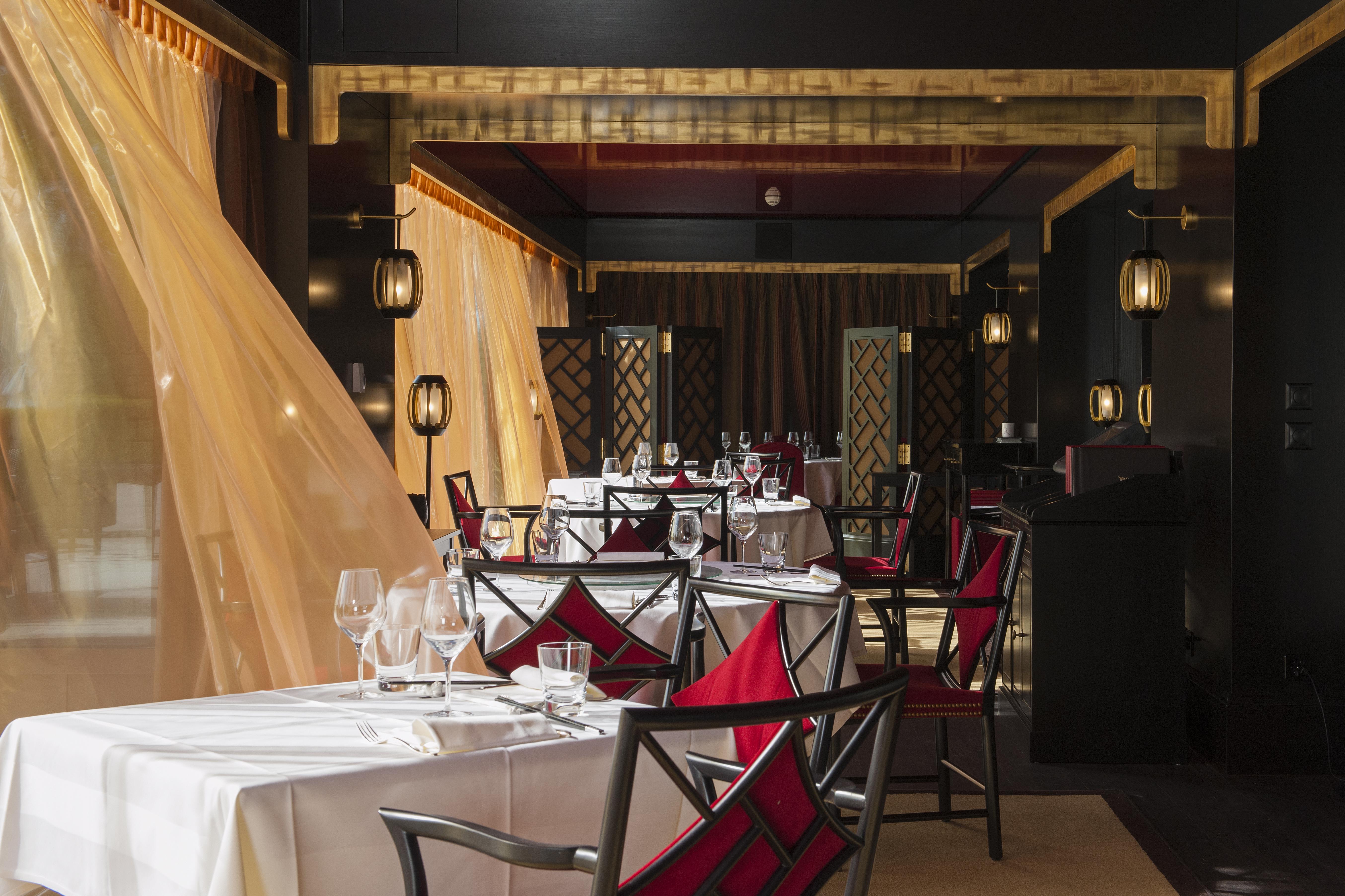 Tse-Fung-Restaurant-veranda-lustforthesublime